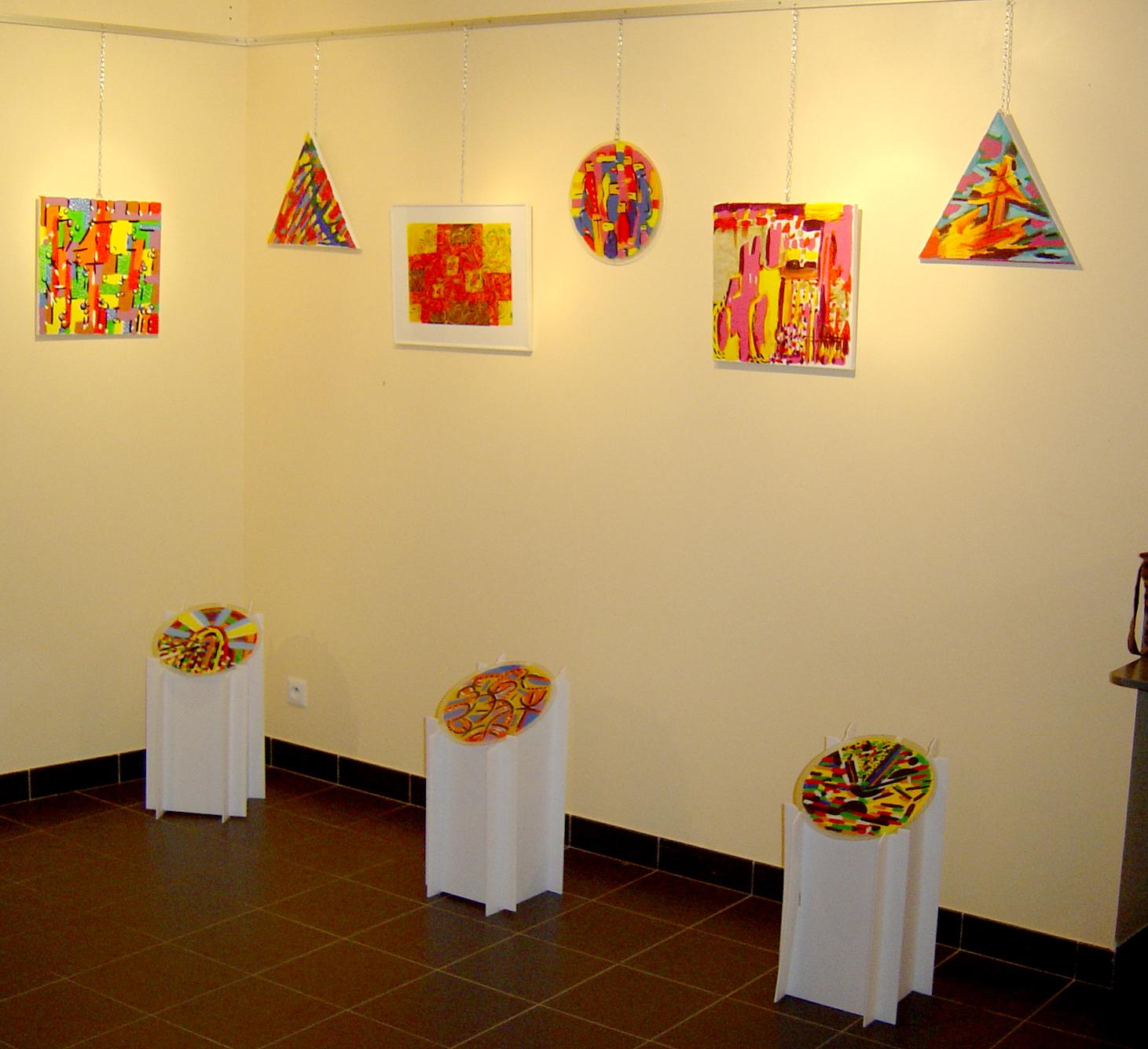 verres et tableaux / galerie du bas